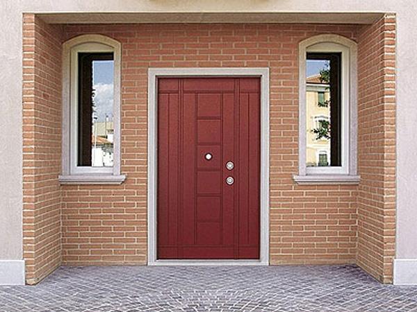 выбрать входные двери на улицу
